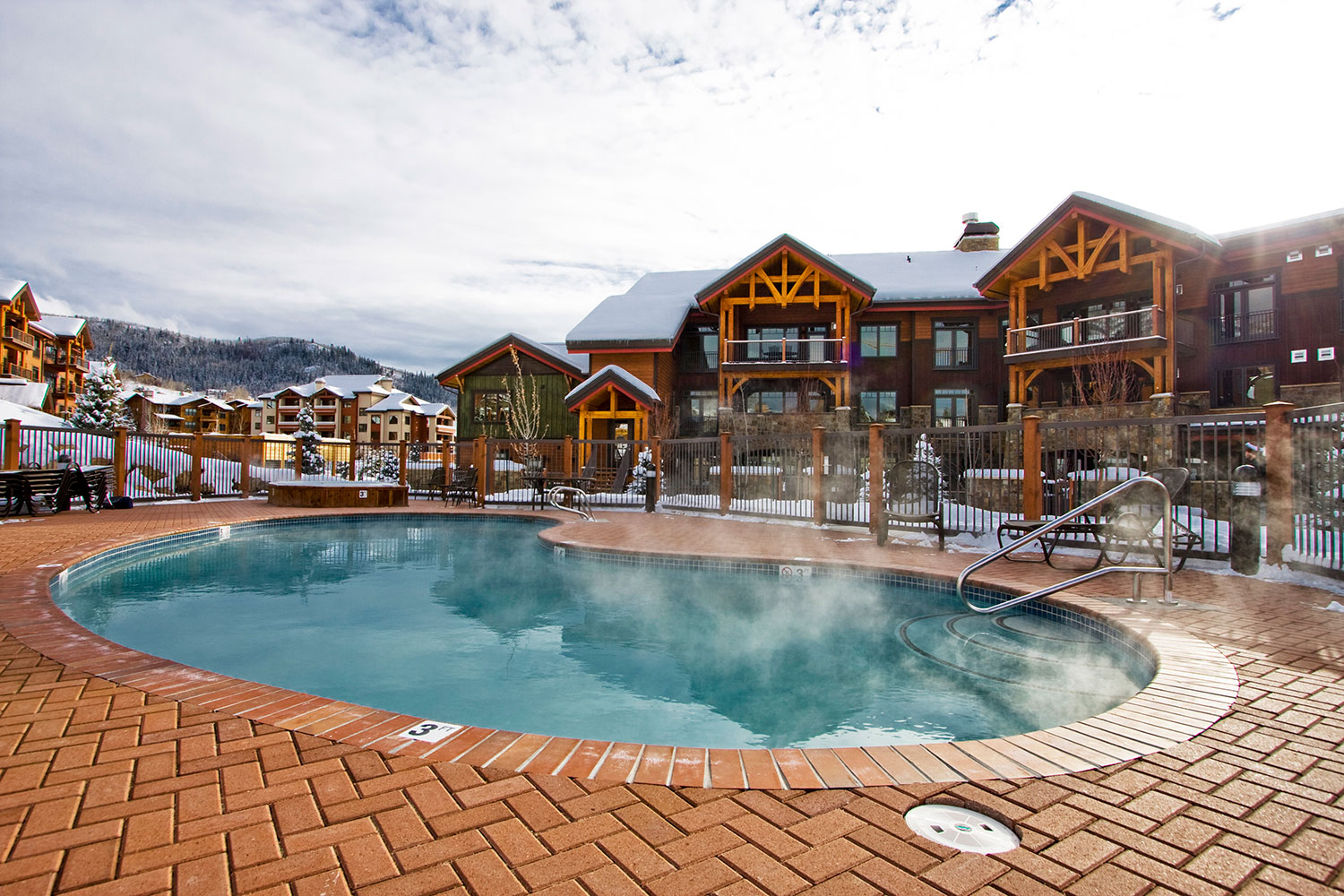 Bear Lodge Pool & Hot Tubs