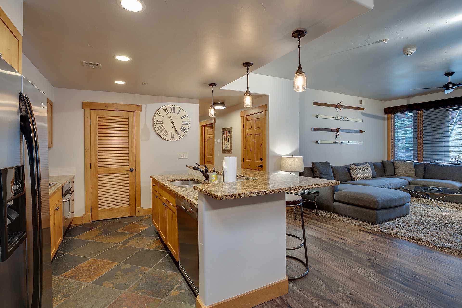 AL4103: Aspen Lodge