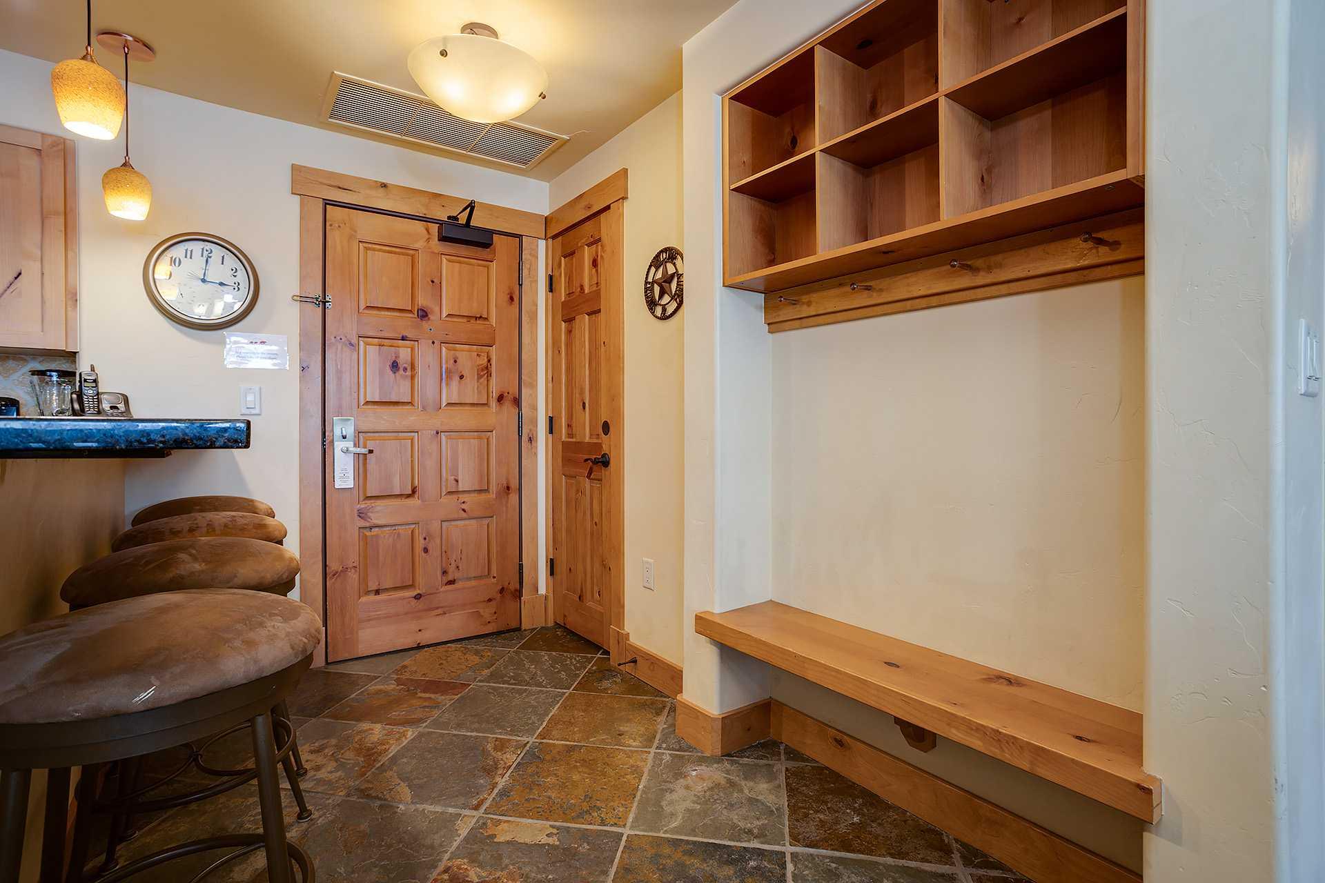 AL4207: Aspen Lodge