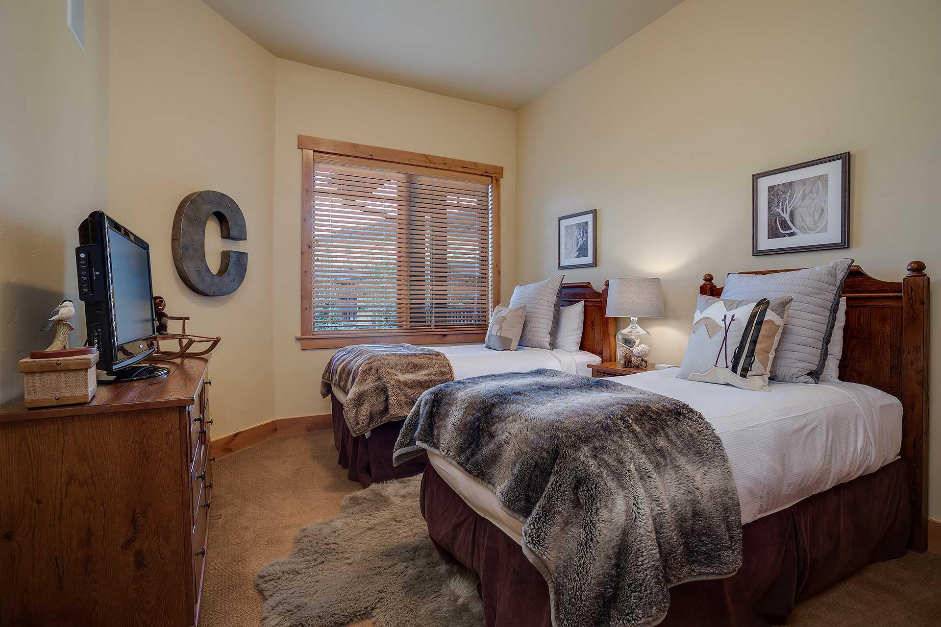 BL6307: Bear Lodge