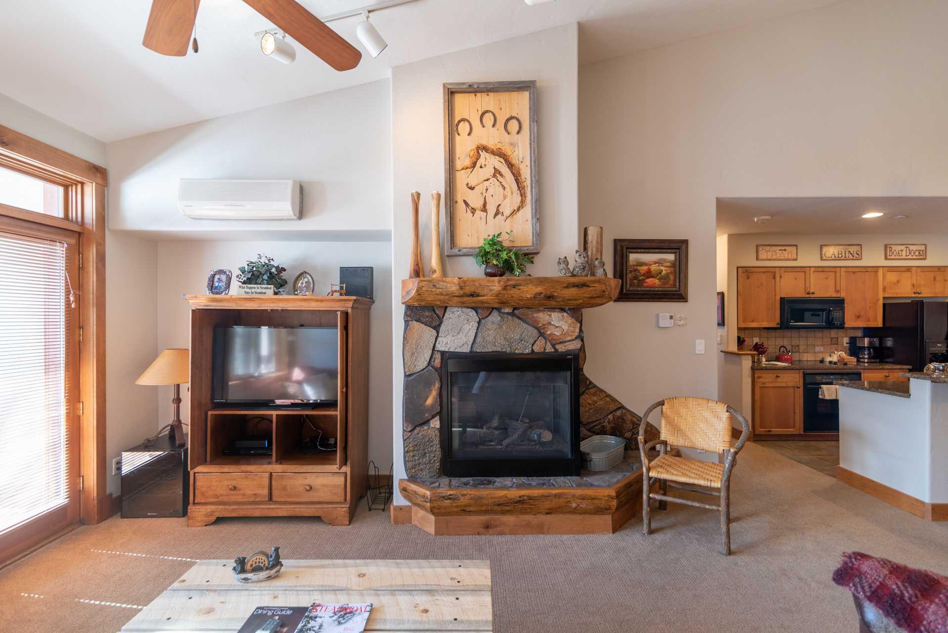 TL2304: Timberline Lodge